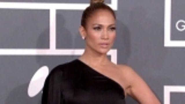 News video: Jennifer Lopez tackles history